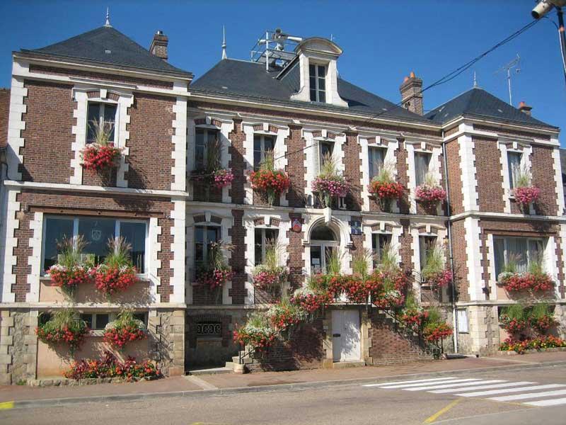 Mairie de Villeneuve l'Archevêque